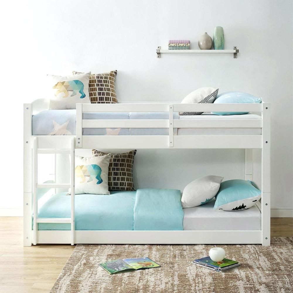 تخت خواب دو نفره کم جای چوبی