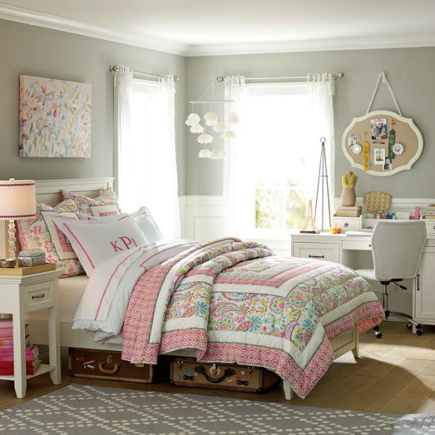 تخت خواب نوجوان با شکوفه های تابستانی
