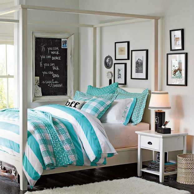 تخت خوابی با رنگ فیروزه ای و سفید