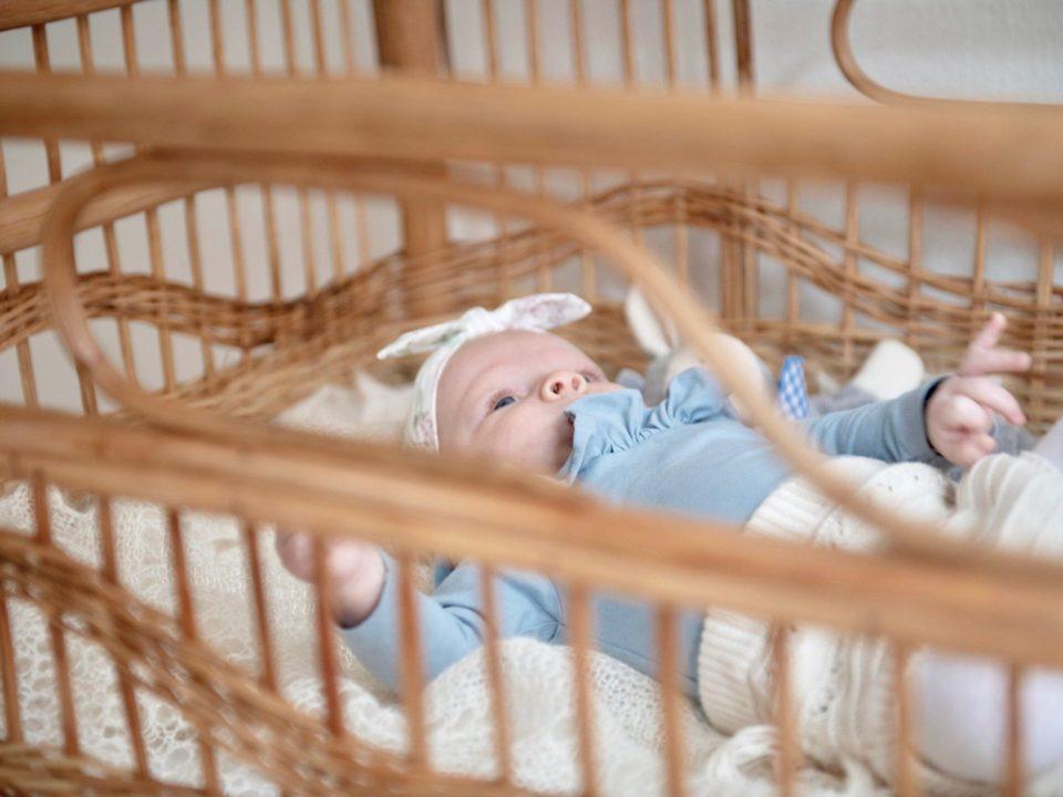 در هنگام خرید تخت کودک باید به چه نکاتی توجه کنیم؟