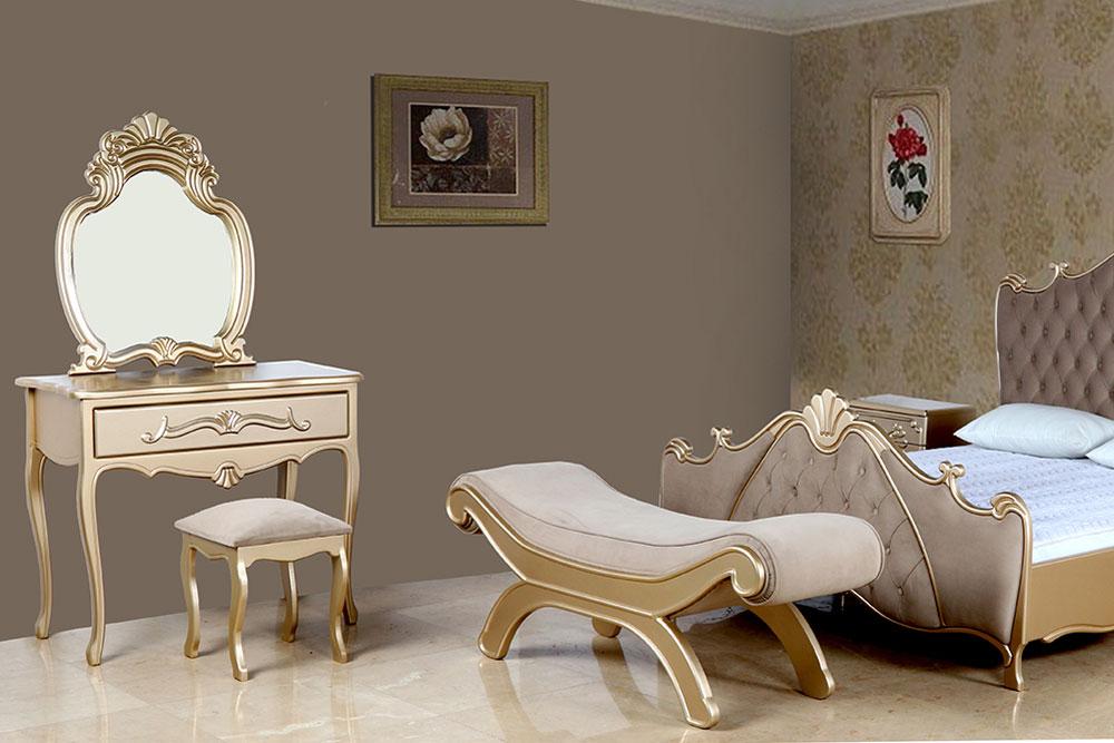 میز آرایش در میان سرویس خواب