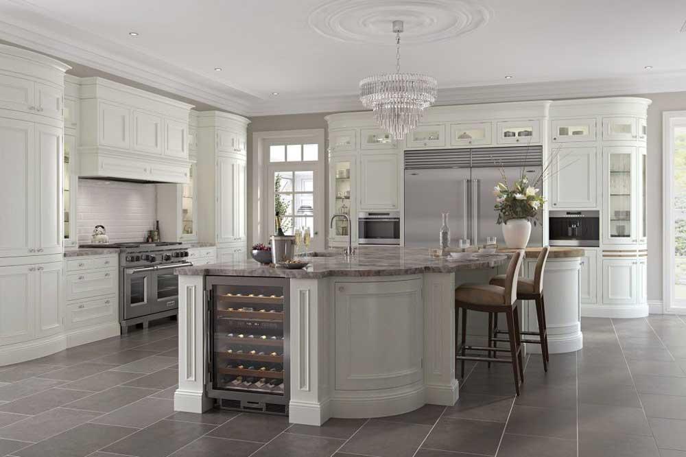 آشپزخانه زیبا با کابینت های قوس دار