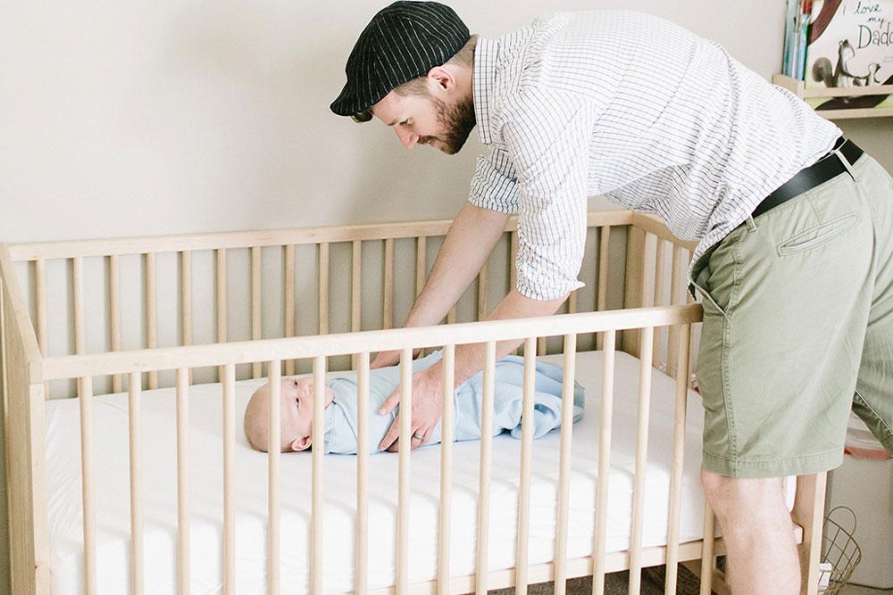 قابلیت تنظیم ارتفاع تخت نوزاد