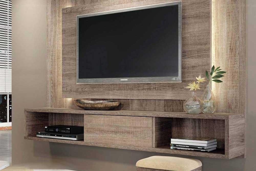 میز تلویزیون در ترکیب با دیوار پشت آن