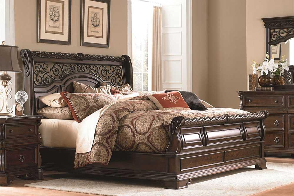 تخت خواب کلاسیک با طراحی های شکوهمند