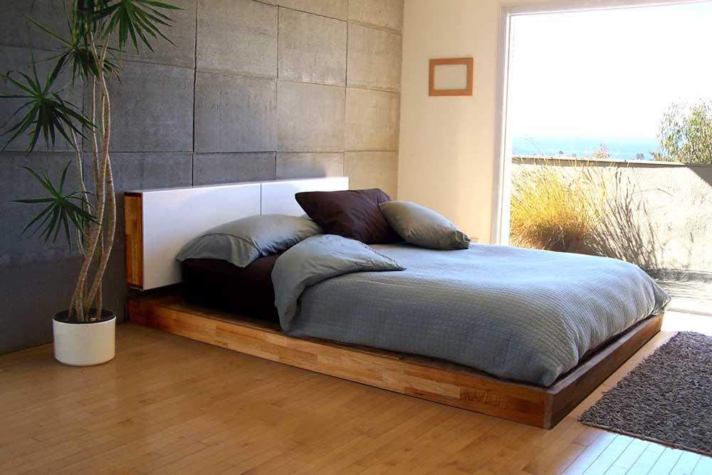 سرویس خواب ساده در اتاق خواب ساده
