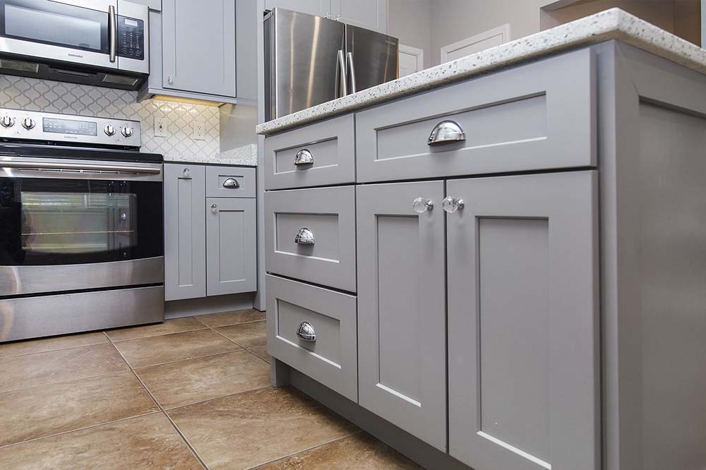 رنگ کابینت آشپزخانه خاکستری