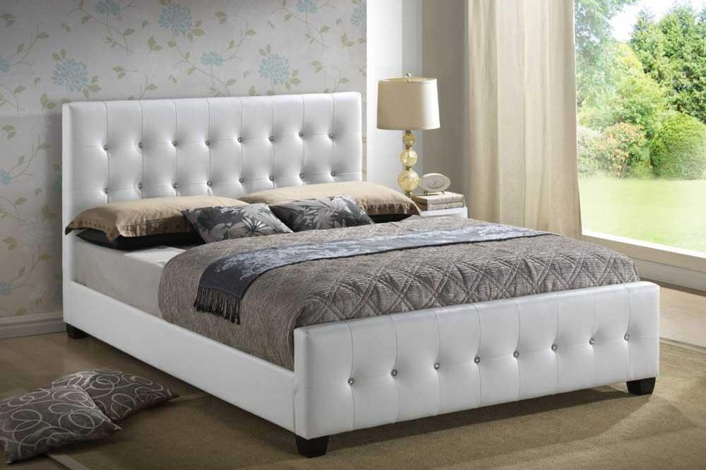 تخت خواب سفید پارچه ای