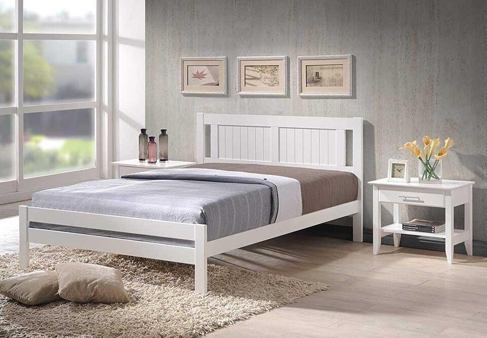 تخت خواب سفید: جلوه ای از زیبایی و پاکی در اتاق خواب شما