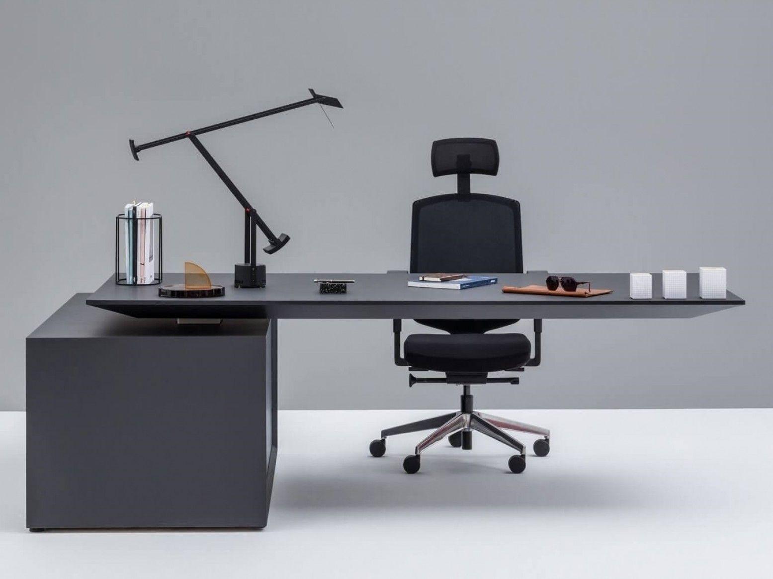 میز مدیریتی در مبلمان اداری