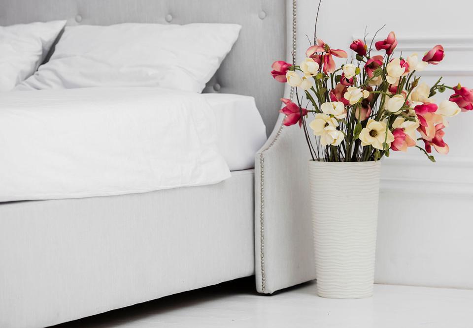 تخت خواب عروس و داماد: آرامشی دلنشین در اتاق خواب عروس و داماد