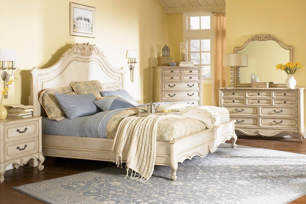 سرویس خواب در اتاق خواب کلاسیک