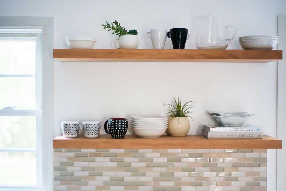 شلف دیواری در آشپزخانه جدید
