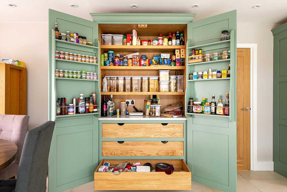 لاردر در آشپزخانه جدید