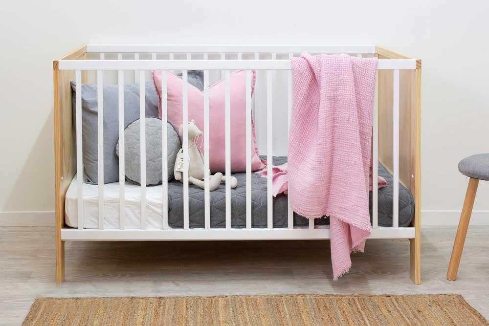 تخت خواب نوزاد
