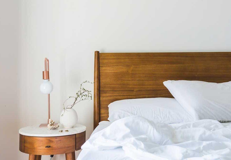 سرویس خواب ساده و شیک: ایجاد فضایی آرام و دلنشین در اتاق خواب