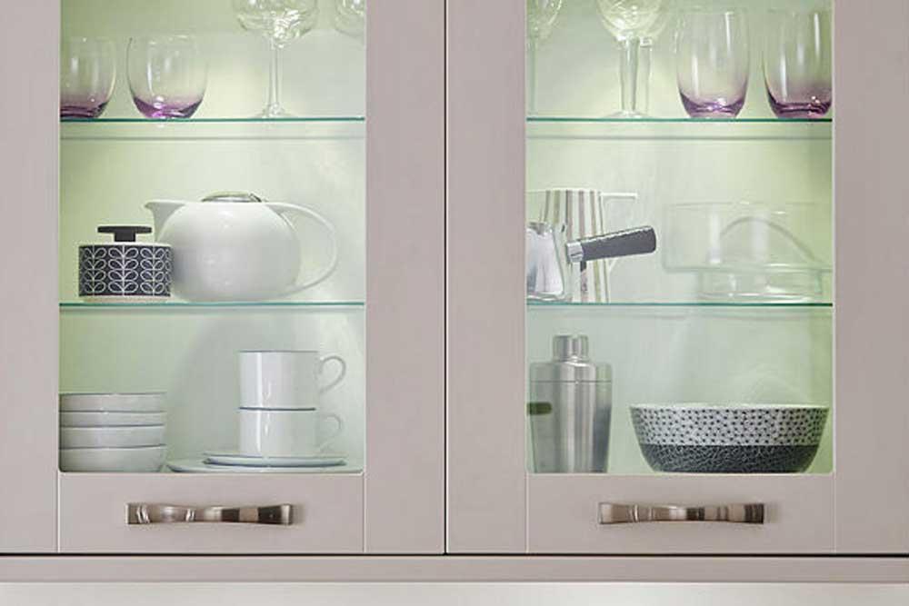 قفسه بندی داخل کابینت آشپزخانه : شیشه ای