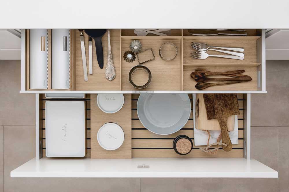 قفسه بندی داخل کابینت آشپزخانه : مخصوص کشو