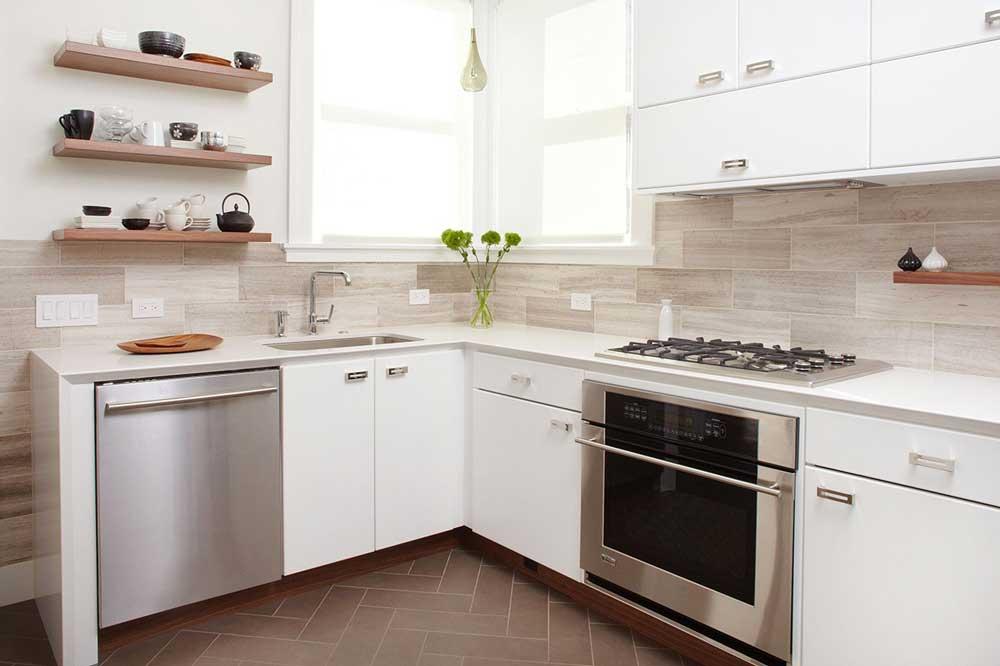 چیدمان آشپزخانه های کوچک : رنگ روشن