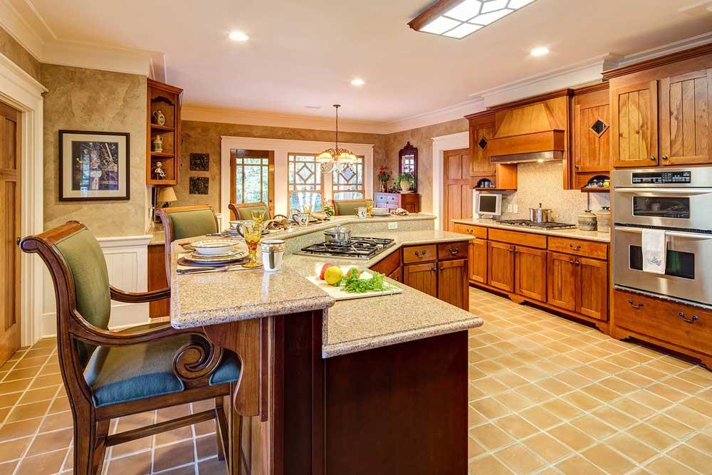 آشپزخانه در دکوراسیون داخلی منزل با چوب