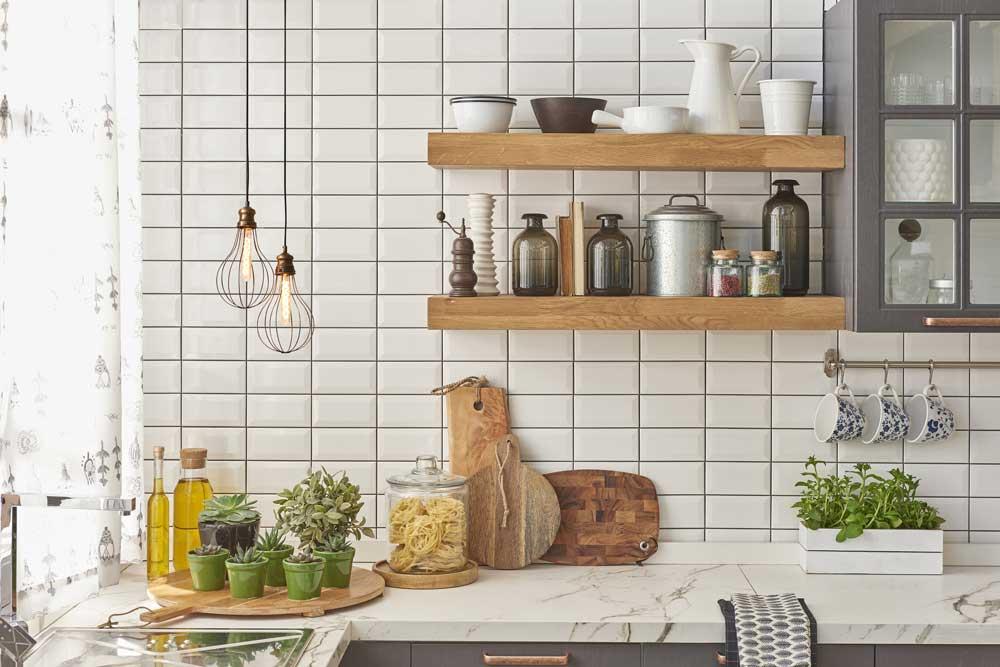 طراحی کابینت آشپزخانه کوچک : شلف دیواری